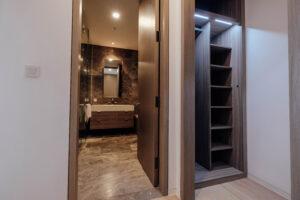 main bathroom & wardrobe
