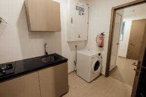 wet kitchen & service area