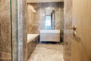 main bathroom verde two
