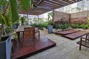 sky garden (outdoor patio)